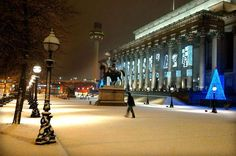 St Georges Hall, Liverpool, Christmas and snow.
