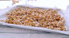 « Cracker Jack » maison (sans arachides ni produits laitiers) | Cuisine futée, parents pressés Quebec, Popcorn Toppings, Homemade Crackers, Chips, Biscuits, Smart Kitchen, Cakes And More, Peanuts, Healthy Lifestyle