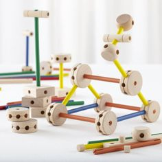 Kids Classic Toys: Wooden Tinker Toy Play Set - Make the Connection Toy Set
