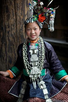 唱侗歌的小女孩 罗琴梅 Dong song singer girl by randomix, via Flickr - Zaidang(Dong Village), Fengdeng, Zaima, Rongjiang, Qiandong'nan, Guizhou, China.
