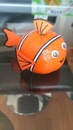 Nemo mandarijn 1st Birthday Decorations, Fruit Decorations, Popsicle Stick Crafts For Kids, Craft Stick Crafts, Healthy Birthday, Fox Crafts, Food Art For Kids, Creative Food Art, Cake Packaging