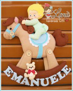 Annuncio Fiocco Nascita Cavallo a dondolo Felt Name Banner, Name Banners, Baby Shawer, Felt Baby, Felt Dolls, Baby Dolls, Felt Wreath, Felt Sheets, Handmade Baby Gifts