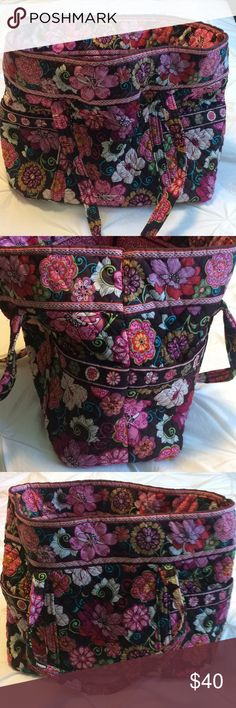 """Vera Bradley large tote in Mod Floral Pink Excellent used condition Vera Bradley tote in the retired Mod Floral Pink pattern. Has 4 outer pockets, 6 inside pockets and a key hook on the inside.  17"""" w x 13"""" h x 8"""" d with 12"""" strap drop Plenty of room to pack everything for a weekend getaway. Vera Bradley Bags Totes"""