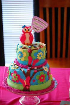Adorable owl cake!! Fondant Owl Cake Topper Owl Cake birthday party girl boys kids kid chil children Owls Owl hibou gateau
