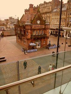 Cafe Nero, Glasgow, Scotland  photo via ermily
