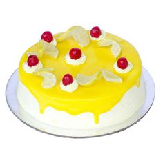 Vanilla base cake, filled and topped with tangy lemon custard!