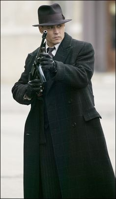 Public enemies johnny depp tommy gun vintage 1930s mafia fedora coat dark