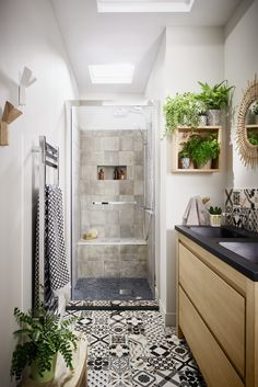 BATHROOM- Do you want to transform your bathroom into a rustic country paradise? This list of 66 Adorable Farmhouse Bathroom Decor Ideas And Remodel can help. Beautiful Bathrooms, Modern Bathroom, Small Bathroom, Bathroom Plants, Zen Bathroom Design, Light Bathroom, Bathroom Interior, Bad Inspiration, Bathroom Inspiration