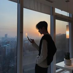 Image in ulzzang boys collection by kσσkíєѕ on We Heart It Korean Boys Ulzzang, Ulzzang Couple, Ulzzang Boy, Korean Men, Korean Girl, Cute Asian Guys, Cute Korean Boys, Asian Boys, Asian Men