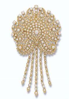 Princess Margaret's Pear Brooch / Pendant.    https://www.facebook.com/photo.php?fbid=1436066936670376&set=oa.283553501812446&type=3&theater https://www.facebook.com/groups/260713314096465/