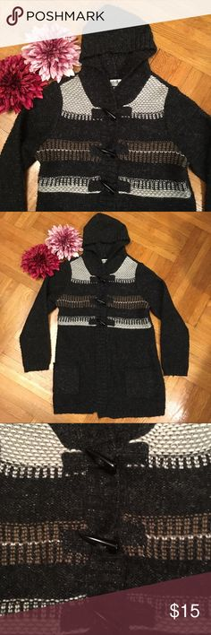 Motherhood Maternity Black Hooded Sweater This Motherhood Maternity Black Hooded Sweater is perfect for cooler weather. Has nice toggle buttons. Very cozy and warm and comfortable. Some pilling but in good condition. Size Medium. Motherhood Maternity Sweaters
