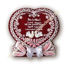 https://flic.kr/p/dWkLkn | Mézeskalács szív 130-008-1 | Wedding favors, wedding gifts, , Nászajándék, Hungarian gingerbread, honey cookies, Wedding cookies,  Mézeskalács köszönetajándék, Vendégajándék esküvőre Mézeskalács szív Gingerbread hart, hart cookies Royal icing, írókázás Mézeskalács készítő tanfolyam