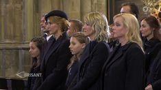 Pohřeb Karla Gotta: Nejdojemnější loučení s začalo Ivana, Karel Gott, Anton Pieck, Celebrity, Crown, Worship Service, Celebrations, Musik, Corona