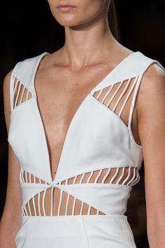 Cushnie et Ochs at New York Fashion Week Spring 2015 - StyleBistro @sommerswim