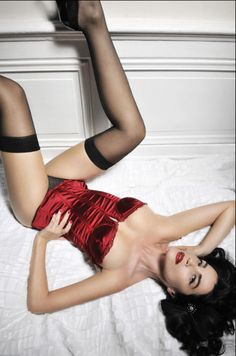 I absolutely ADORE this sexy boudoir shot and will definitely be using this pose in my next photo session!:) ~DLP