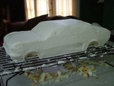 How to make a car cake SugaredProductions Car Cakes For Men, Race Car Cakes, Truck Cakes, Fondant Cakes, Cupcake Cakes, Fondant Bow, Fondant Flowers, Fondant Figures, Frog Cakes