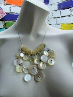 """Upcycling Halskette """"KNÖPFE"""" - Necklace """"buttons"""" von brisartbri auf Etsy"""