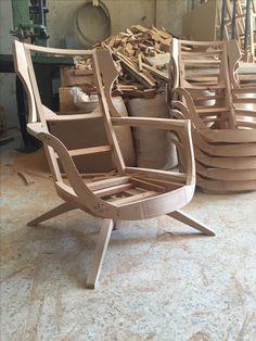 Furniture Making, Diy Furniture, Furniture Design, Patterned Furniture, Sofa Frame, Wood Sofa, Diy Sofa, Italian Furniture, Woodworking Furniture