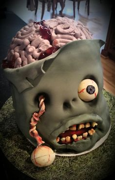 30 Scary AF Horror and Halloween Cakes 30 Scary AF Horror and Halloween Cakes - Joyenergizer<br> Tasty, but gory! Halloween Desserts, Halloween Cupcakes, Spooky Halloween Cakes, Halloween Torte, Bolo Halloween, Pasteles Halloween, Halloween Birthday Cakes, Halloween Baking, Halloween Food For Party