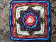 Eight Pointed Flower by Julie Yeager ~ free pattern ᛡ