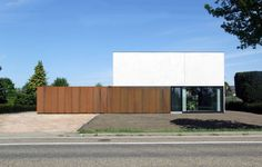 Architect Raf Segers - Woning in prefabbeton Villas, House In Nature, Contemporary Furniture, My House, Outdoor Decor, Outdoor Furniture, House Design, Building, Conception