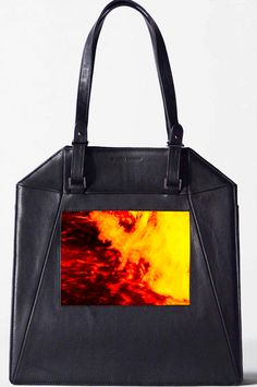 Rad Or Bad: The Tote That's A TV, Too #refinery29  http://www.refinery29.com/sydney-rogers-ipad-tote#slide1