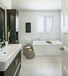 Une déco sans démesure | Les idées de ma maison © TVA Publications | François Laliberté #deco #salledebain #bain #blanc #noir