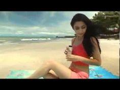 HOT BANGET Tyas Mirasih Buka Baju Di Pantai
