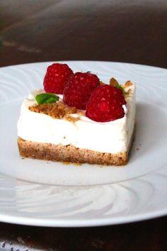 É comum, principalmente em receitas ligadas ao mundo vegetariano e vegan, ver receitas de cheesecakes em que a base é uma mistura de fr...