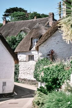 british isles When it comes to Cornwall, it's unspoilt villages are where this English county really shines. Here is a guide to the most beautiful villages in Cornwall, which hopefully y England And Scotland, England Uk, Oxford England, London England, Places To Travel, Places To Visit, Devon And Cornwall, Cottages In Cornwall, Fowey Cornwall