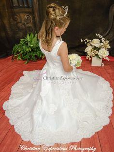 White Communion Dress, Girls Communion Dresses, Girls Dresses, Flower Girl Dresses, First Communion Veils, First Holy Communion, Shops, Matte Satin, Gowns Online