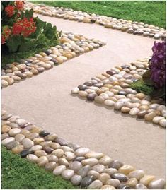 Cheap Landscaping Stones edging - just stick polished rocks in concrete. | outdoor home