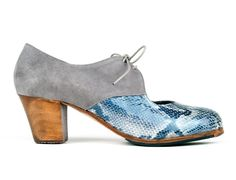 Montoya model: A23 Gray suede | Fantasy leather (out of catalog) | Cuban 45 mm walnut dyed heel, handmade by ArteFyL #flamenco #shoes for #dance