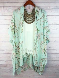 2018 New Summer Female Sunscreen Short Sleeve Peach Print Chiffon Kimono Cardigan Thin Paragraph Loose Woman Cover Up S-XL Chiffon Kimono, Print Chiffon, Floral Kimono, Green Kimono, Boho Kimono, Kimono Style, Chiffon Tops, Spring Summer Fashion, Spring Outfits