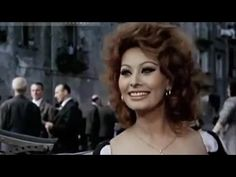 SOPHIA LOREN Style in the 50's movie inspire Dolce&Gabbana
