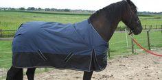 Deze luxe en sterke paardendeken  van 1200D maar 79,=