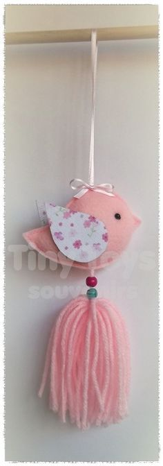 61 Ideas Baby Shower Nena Banderin For 2019 Felt Crafts, Fabric Crafts, Diy And Crafts, Arts And Crafts, Baby Shawer, Felt Birds, Felt Patterns, Felt Ornaments, Christmas Crafts