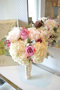 Dont want to pick one shade of pink? Well you don't have to! Made by Unico Decor #unicodecor #bouquet #weddings