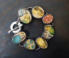 7 vintage tin Perruche perroquet bracelet par DiPiazzaMetalworks