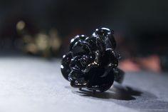 """Стеклянное кольцо-цветок """"Королева Готики"""" – купить в интернет-магазине на Ярмарке Мастеров с доставкой"""