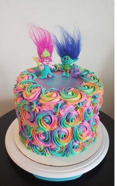 Trolls rainbow rosette birthday cake by aline Bday Girl, Birthday Cake Girls, 3rd Birthday Parties, Birthday Fun, Trolls Birthday Party Ideas Cake, Birthday Ideas, Fruit Birthday, Disney Birthday, Mother Birthday