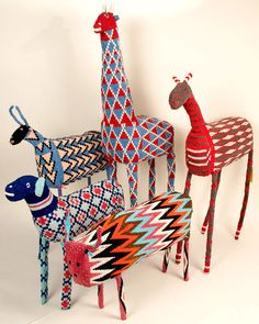Transcending the ordinary handeye craft south african design, african desig South African Design, Afrique Art, Art Perle, Diy And Crafts, Arts And Crafts, African Crafts, Arte Popular, Paperclay, Beaded Animals