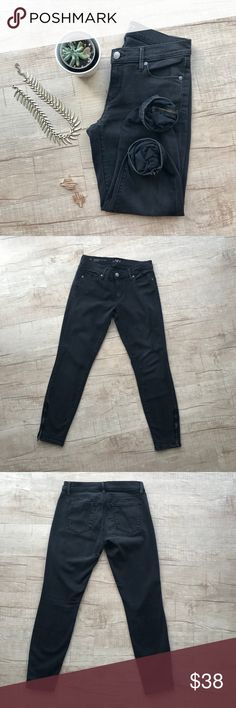 "LOFT Modern Skinny Ankle Jeans - Ankle Zip * LOFT ""Modern Skinny Ankle"" * vintage black wash * ankle zip for added style * WAIST (laid flat, on one side) - 14"" * INSEAM - 26"" * LENGTH - 35"" * 92% Cotton, 7% Polyester, 1% Spandex * please note, there is a manufactured flaw in the stitching, on the right leg as pictured. it is not noticeable when worn! * otherwise in great used condition    * all measurements are approximate  * no trades/paypal/off site transactions LOFT Jeans Ankle & Cropped"