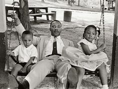 Martin Luther King Jr Parents | Martin Luther King, Jr. and family