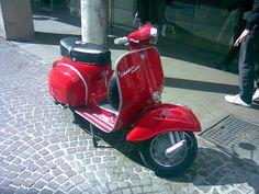 vespa sprint veloce modif - Google Search Vespa Sprint Veloce, Vintage Vespa, Color Red, Google Search, Princess, Vespas, Motorbikes, Colour Red, Princesses