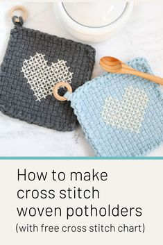 Kids and adults alike can make these fun potholders for quick and easy DIY holiday gifts. Perfect for kids to give parents, grandparents, and teachers. Easy enough for beginner cross stitchers.