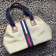 Tommy Hilfiger Handbag Tommy Hilfiger handbag in great condition. Small. Tommy Hilfiger Bags Cosmetic Bags & Cases