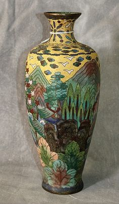 Chinese cloisonne bottle neck Vase, Qing Dynasty, 19th century.