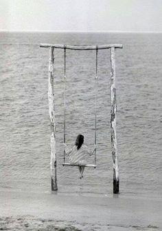 Hayatı kaybetmekten daha acı bir şey vardır Yaşamın anlamını kaybetmek