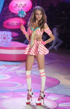 Erinnert ihr euch noch an all' die Victoria's Secret Engel aus vergangenen Jahren? Cara Delevingne